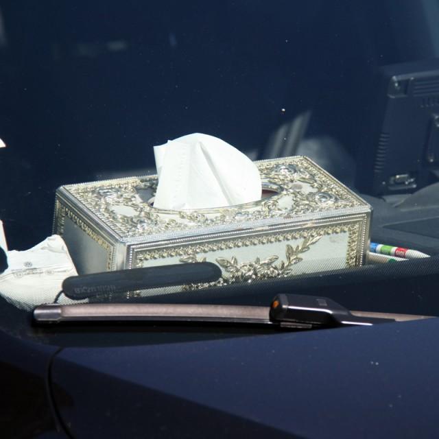 Versailles en boîte à mouchoirs