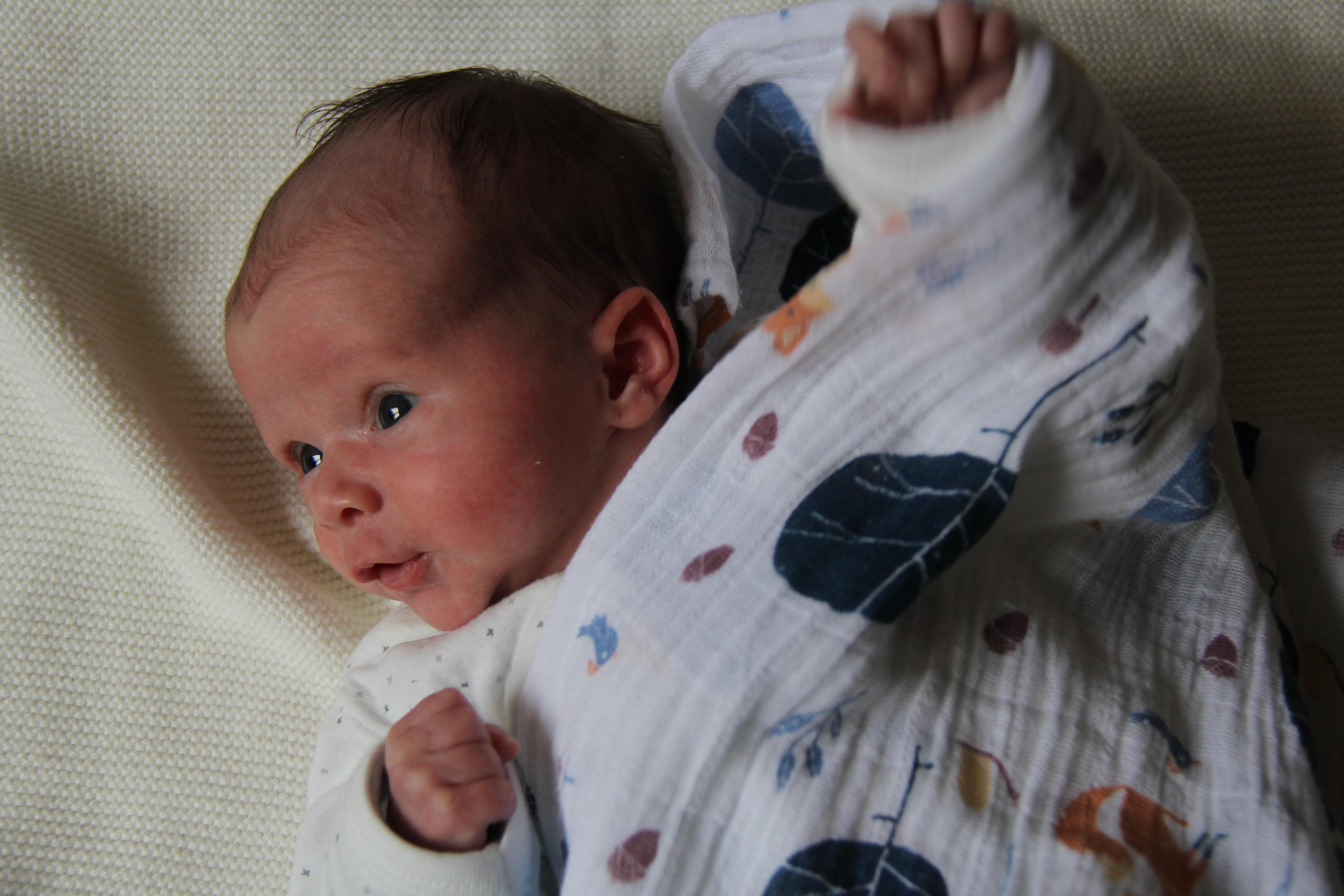 Lucie, 1 mois