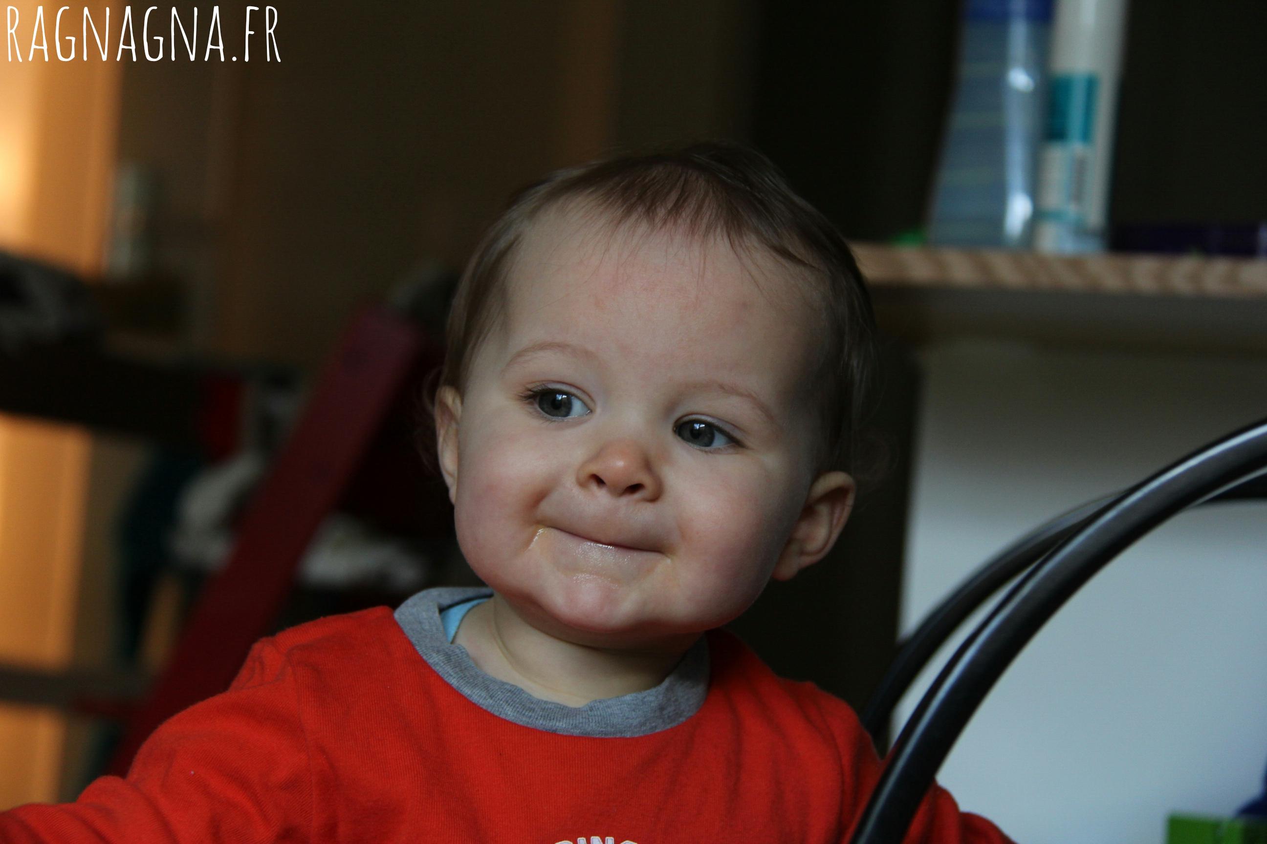 Instant de grâce avec bébé de 1 an